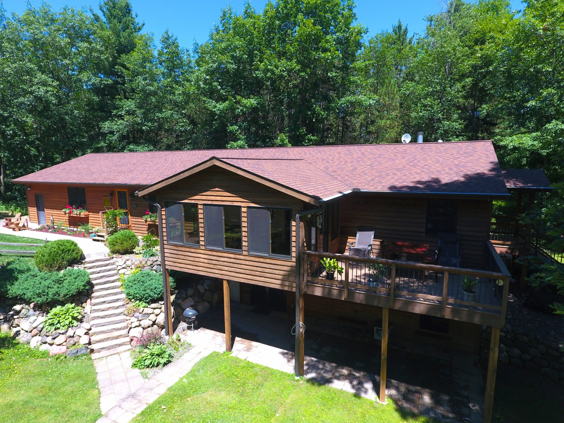 slider- lake front home